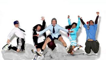Urban Dance es un estilo de baile, que gira en torno a piezas coreografiadas y actuaciones de bailarines o grupos de bailarines. La coreografía está influenciada por varios estilos de baile diferentes, pero en última instancia se basa en la interpretación de la música del coreógrafo. Cualquiera de varios bailes influenciados por los ritmos y técnicas de música funk y hip-hop, como locking, popping, or b-boying . Una forma original de baile y particulares estilos de vestir surgió entre los fans de esta nueva música, el Breaking. Estos elementos experimentaron una considerable adaptación y el desarrollo en el transcurso de la historia de la cultura, incluso hoy permanece en constante evolución al ser una cultura presente en más de 200 naciones.